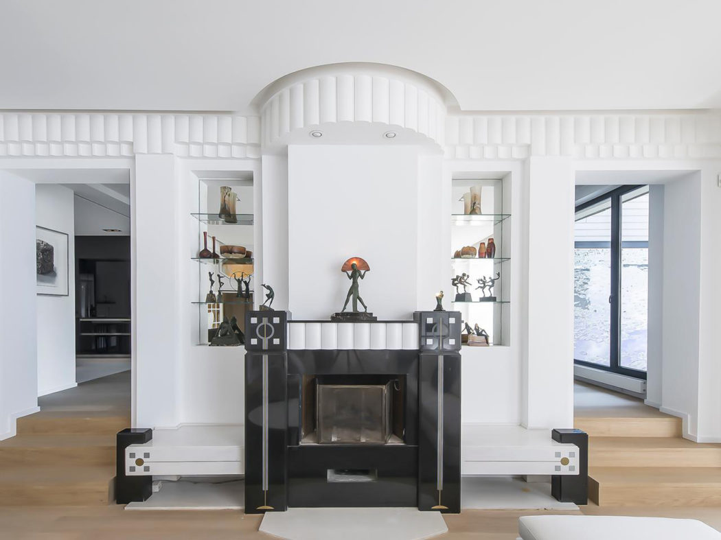 Own a restored Art Deco home in Brussels