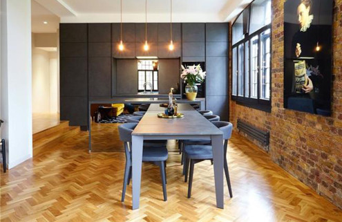 A warehouse conversion with hidden depths in Wapping, London