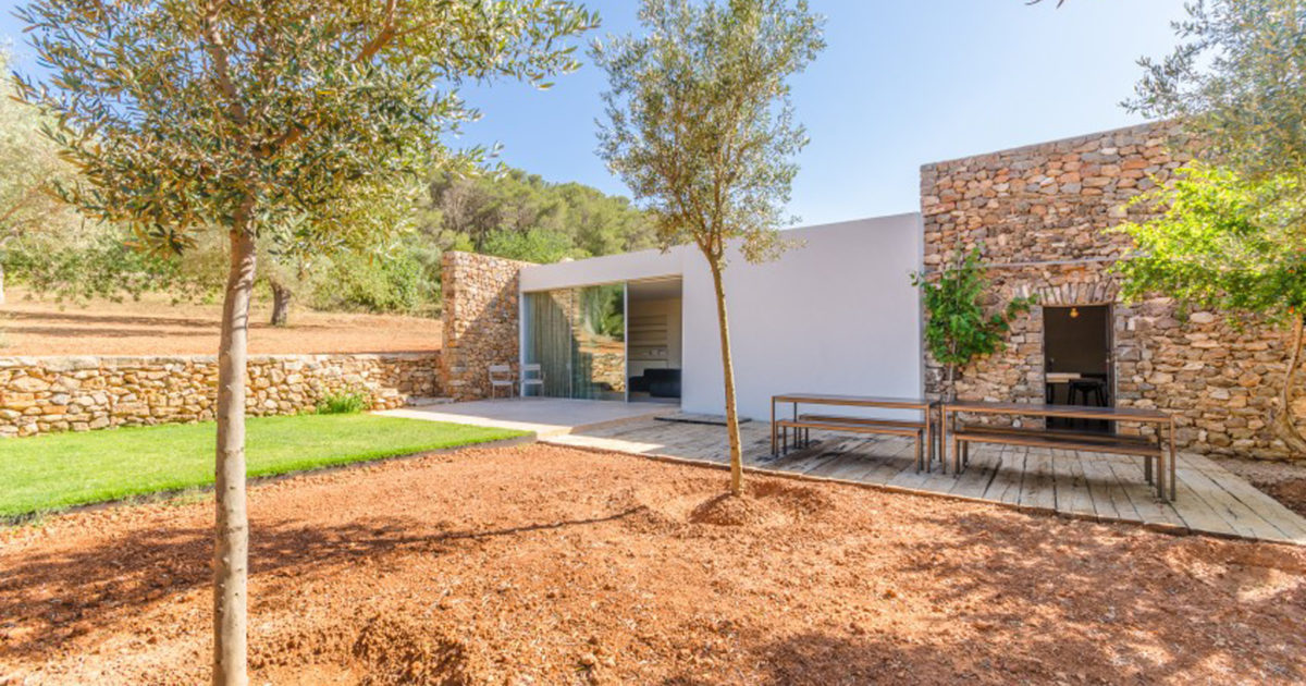 property of the week a restored finca in ibiza. Black Bedroom Furniture Sets. Home Design Ideas