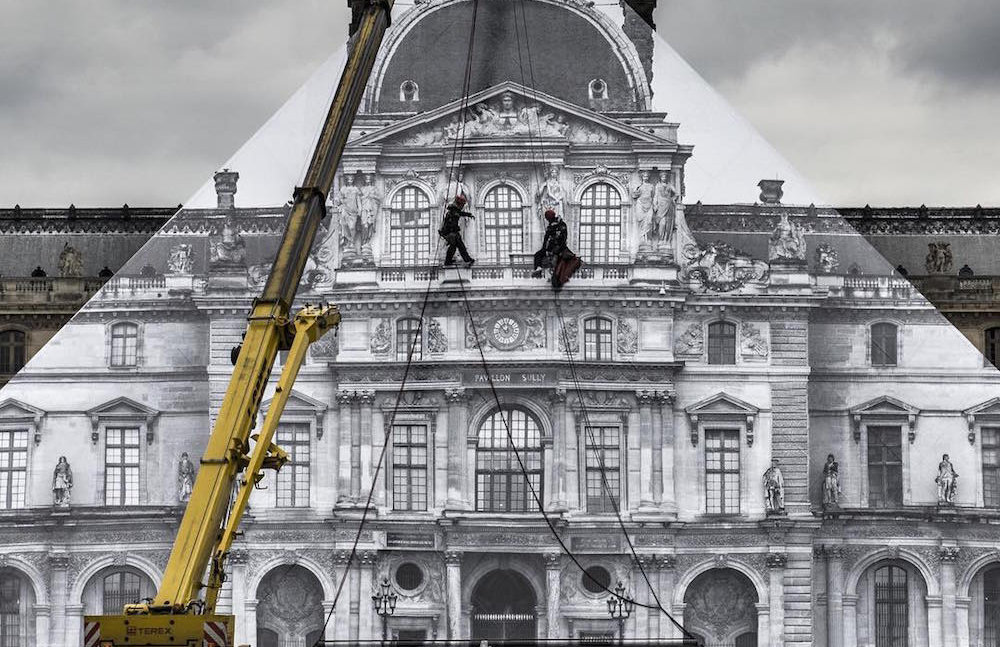 JR Louvre disappears