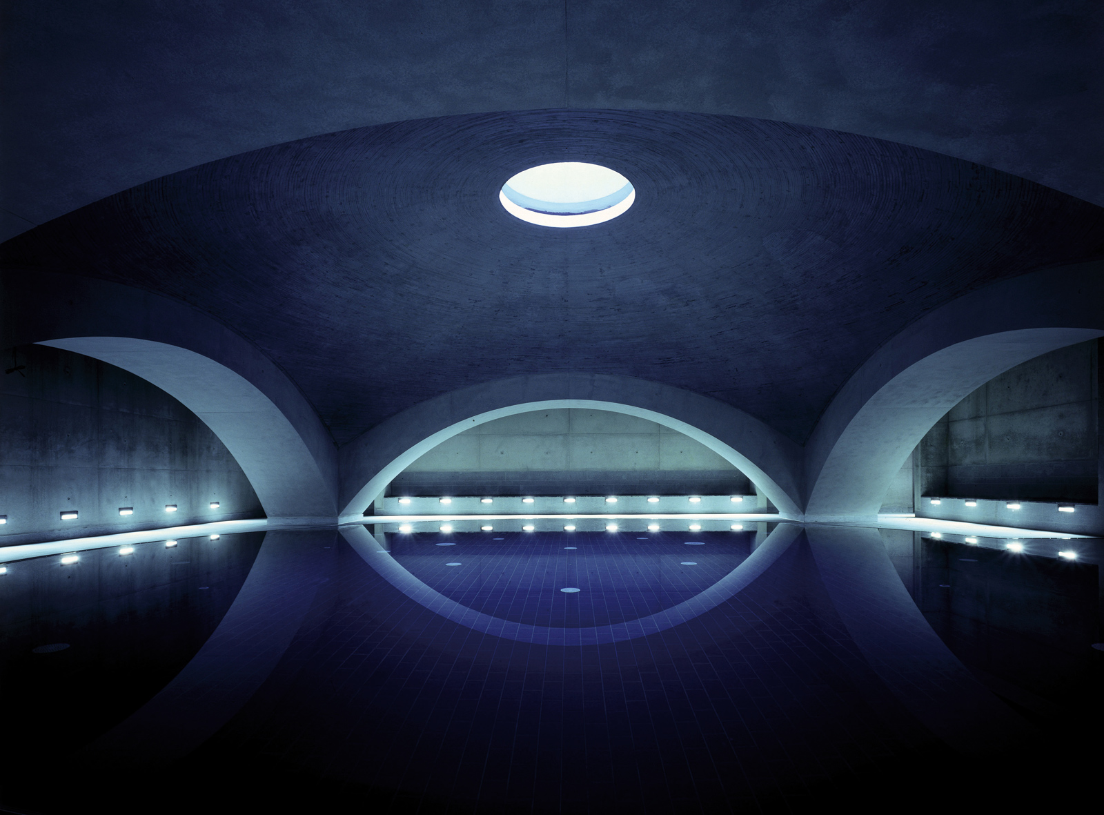 Liquidrom swimming pool, Berlin. Photography: Christian Gahl
