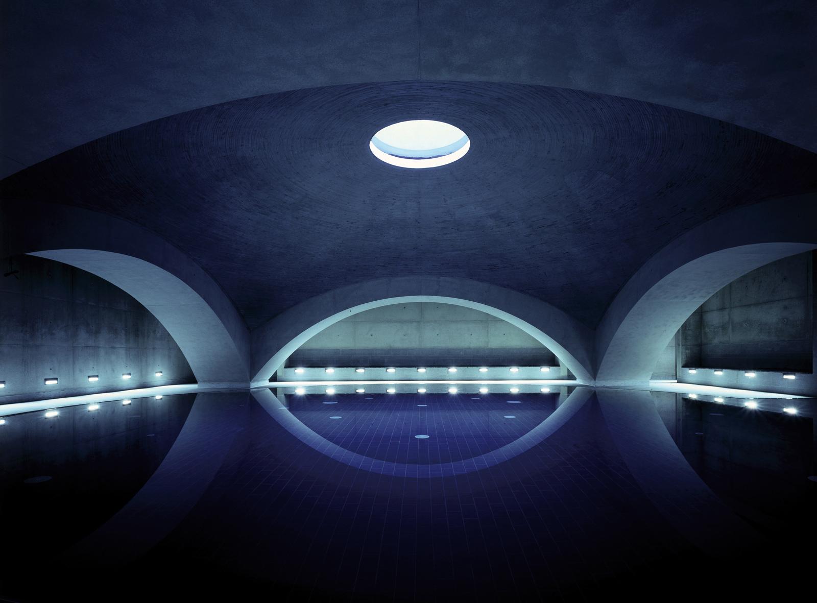 Liquidrom swimming pool, Berlin. Photography: Christian Gahl