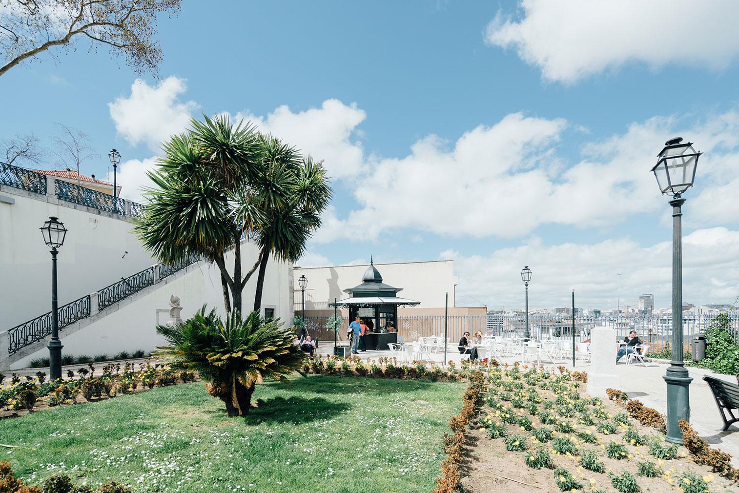 Lisbon-kiosks-richard-john-seymour-4