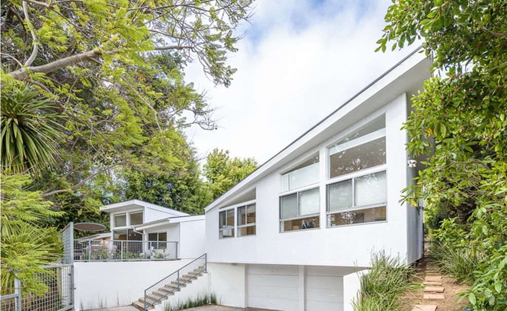 300 Canyon View Drive by architect Rodney Walker is on the market via Modern Living LA for $3.895m