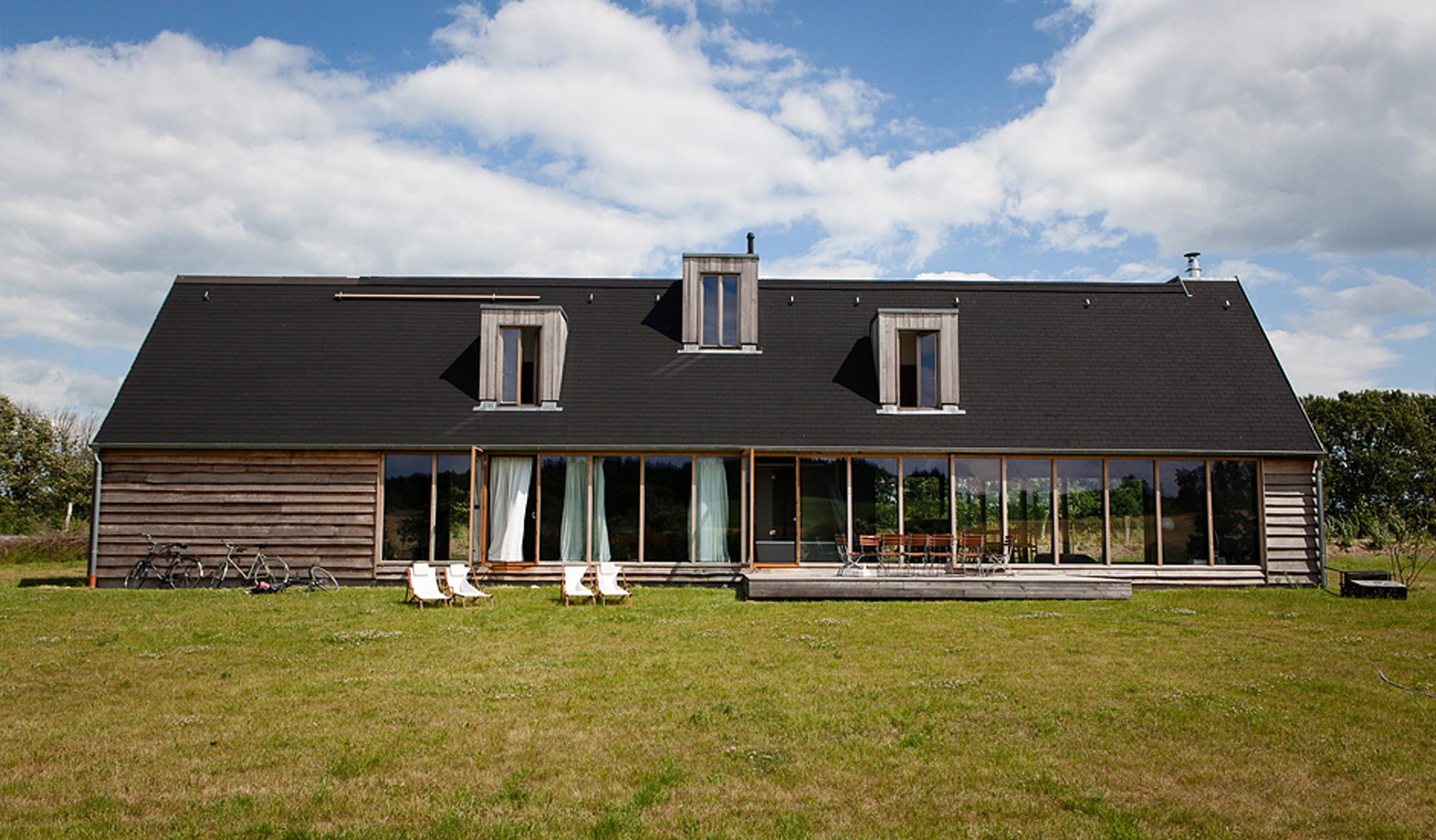 Black House Germany