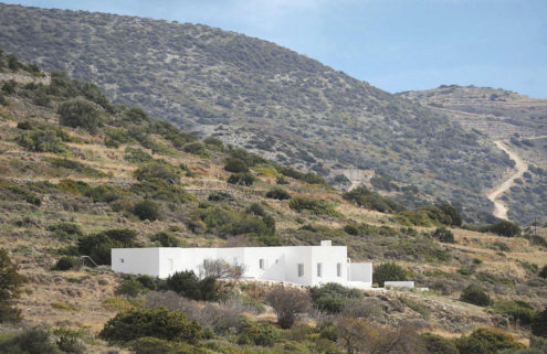 Holiday home of the week: a minimalist retreat on the Greek island of Paros
