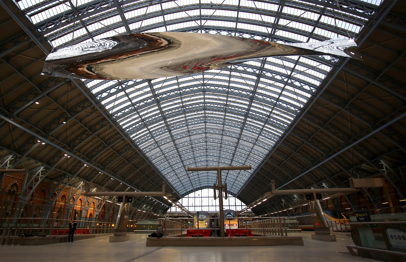 Charming Ron Arad Terrace Wires At St Pancras International