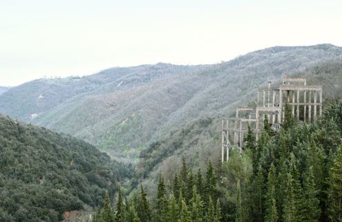 Photographer Amélie Labourdette shoots Italy's abandoned building sites