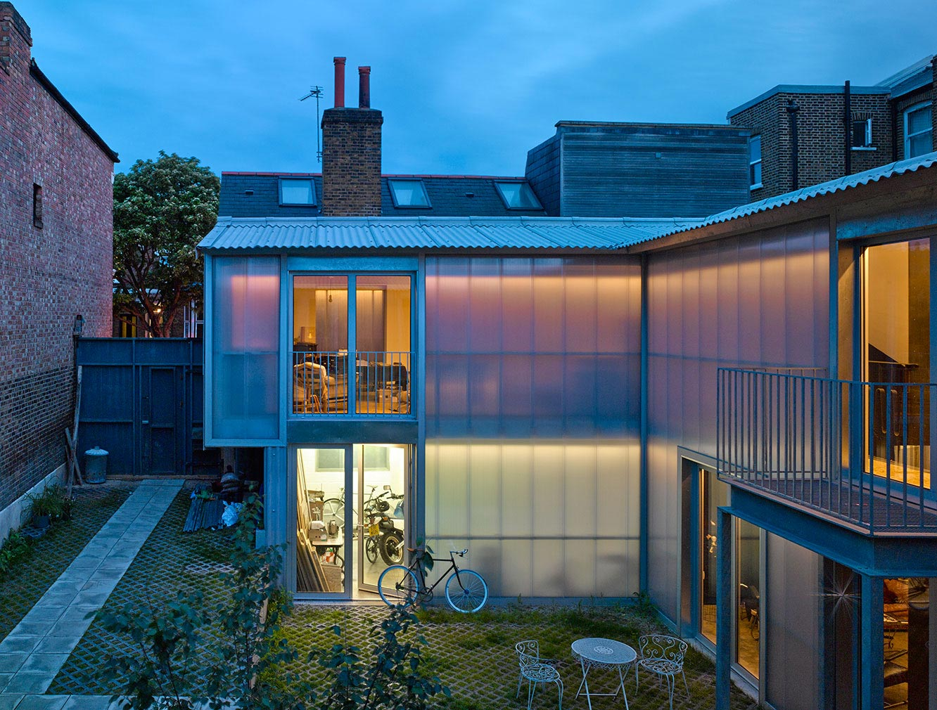The Yard House by Jonathan Tuckey Design
