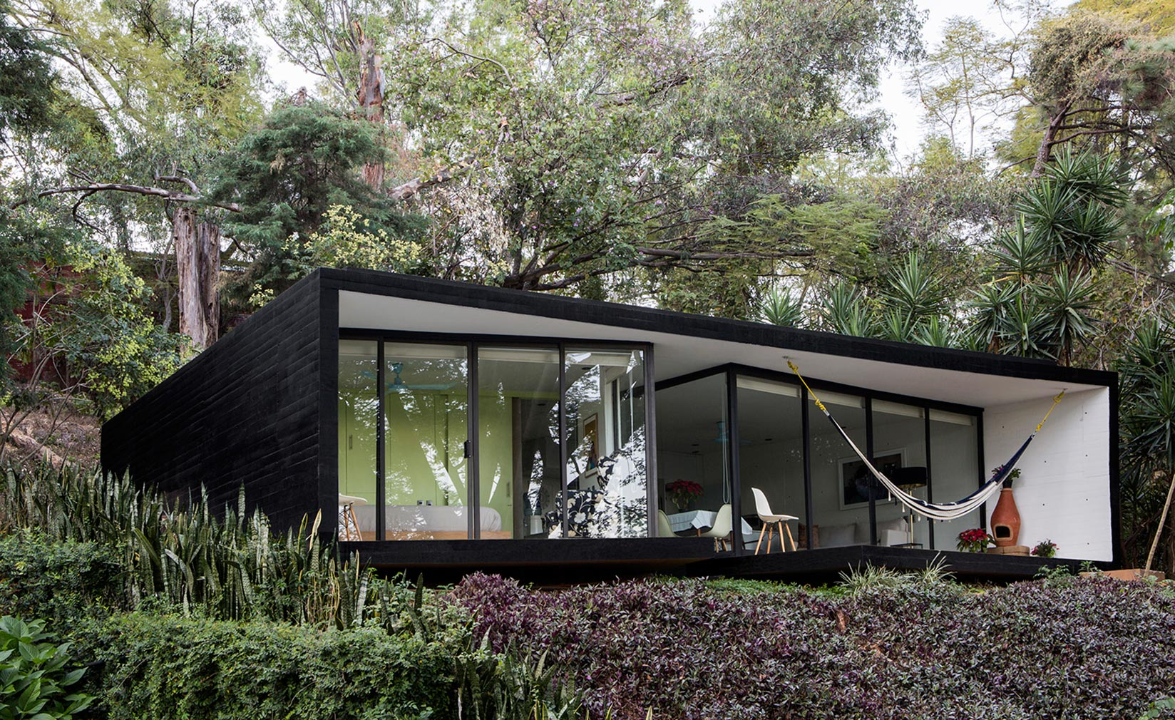 LMM Bungalow by Cadaval and Sola Morales