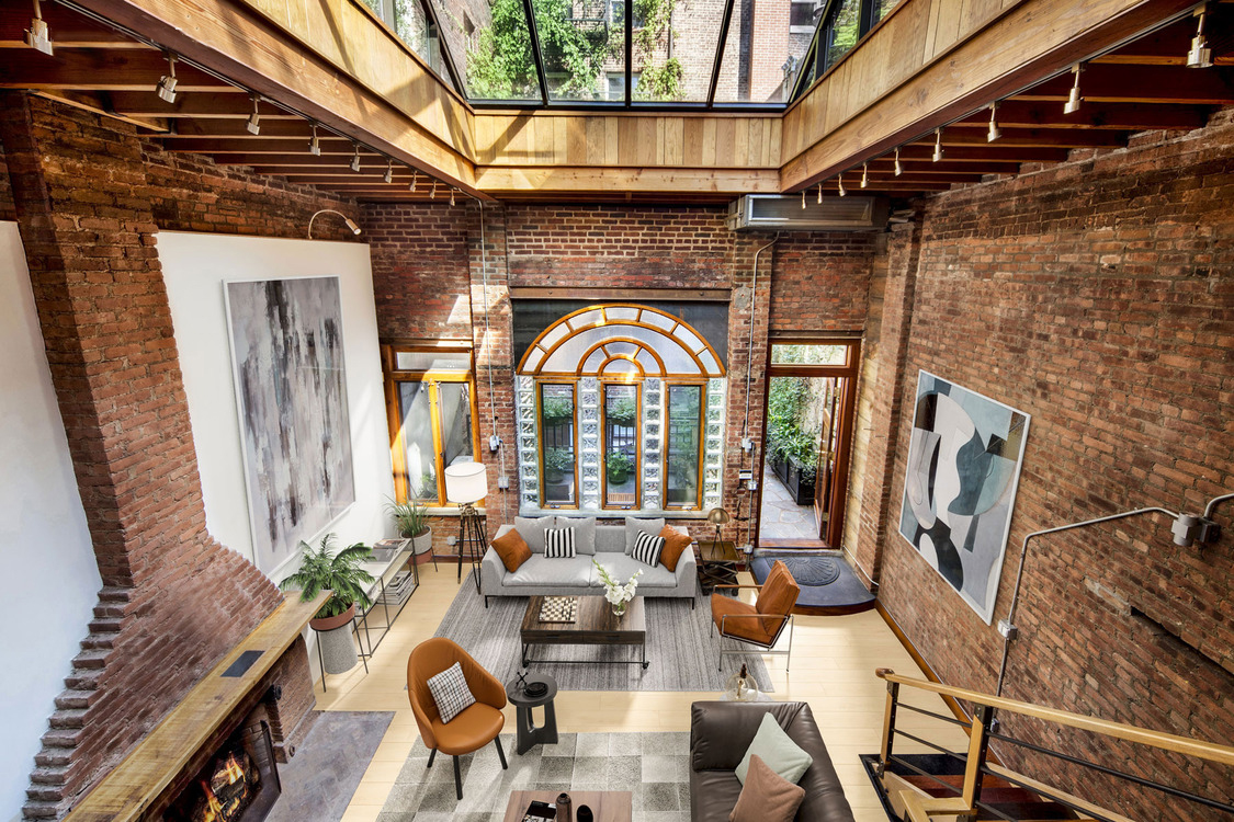 Carriage house for rent in New York City