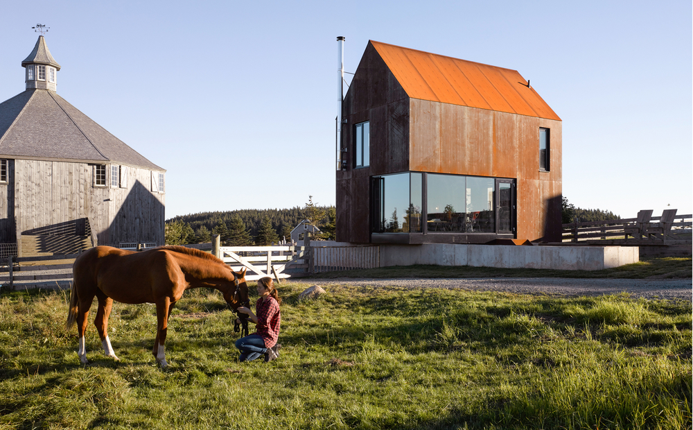 Photography: James Brittain / MacKay-Lyons Sweetapple Architects