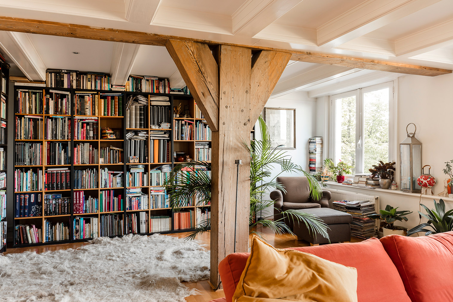 Canal district house in Amsterdam for sale