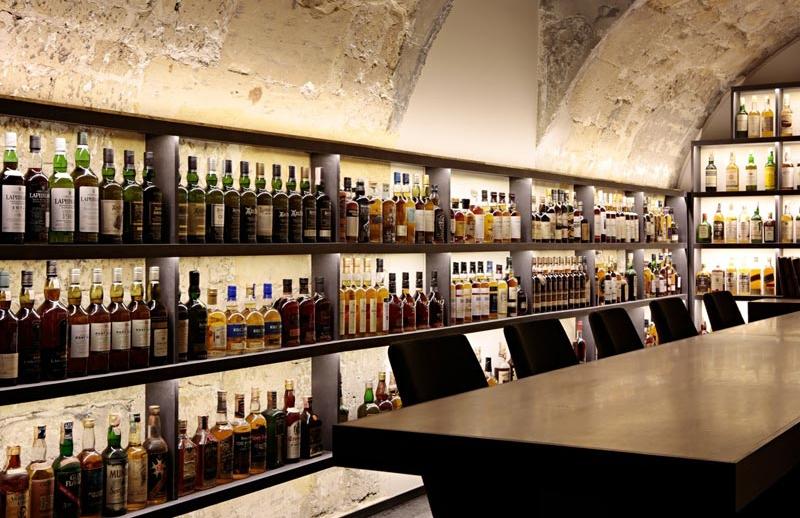 Golden Promise whisky bar in paris