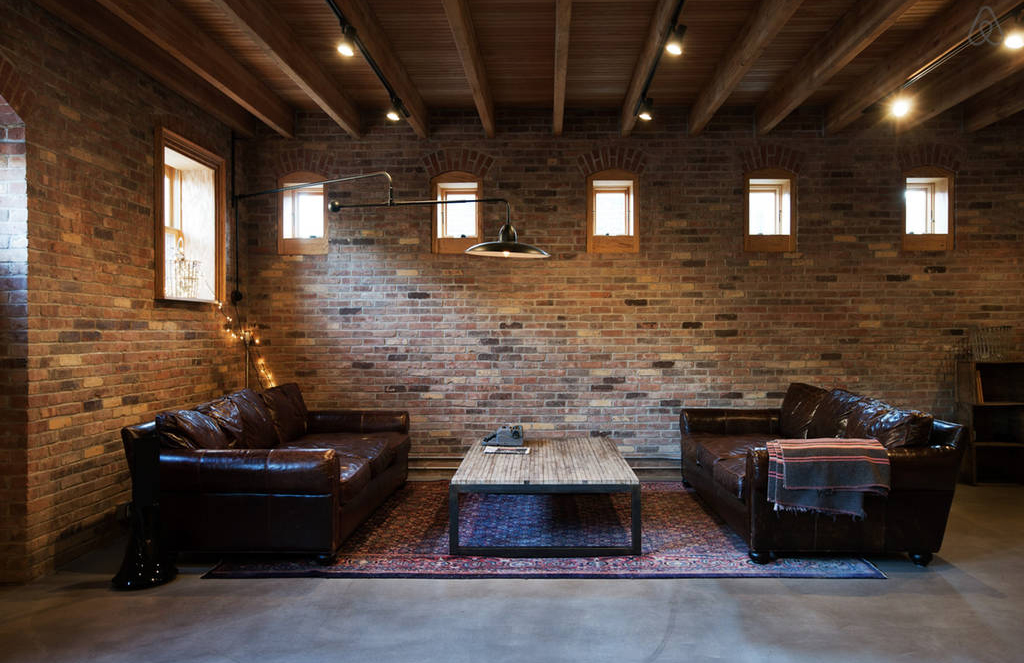 New York apartments to rent – a converted carriage house via Airbnb