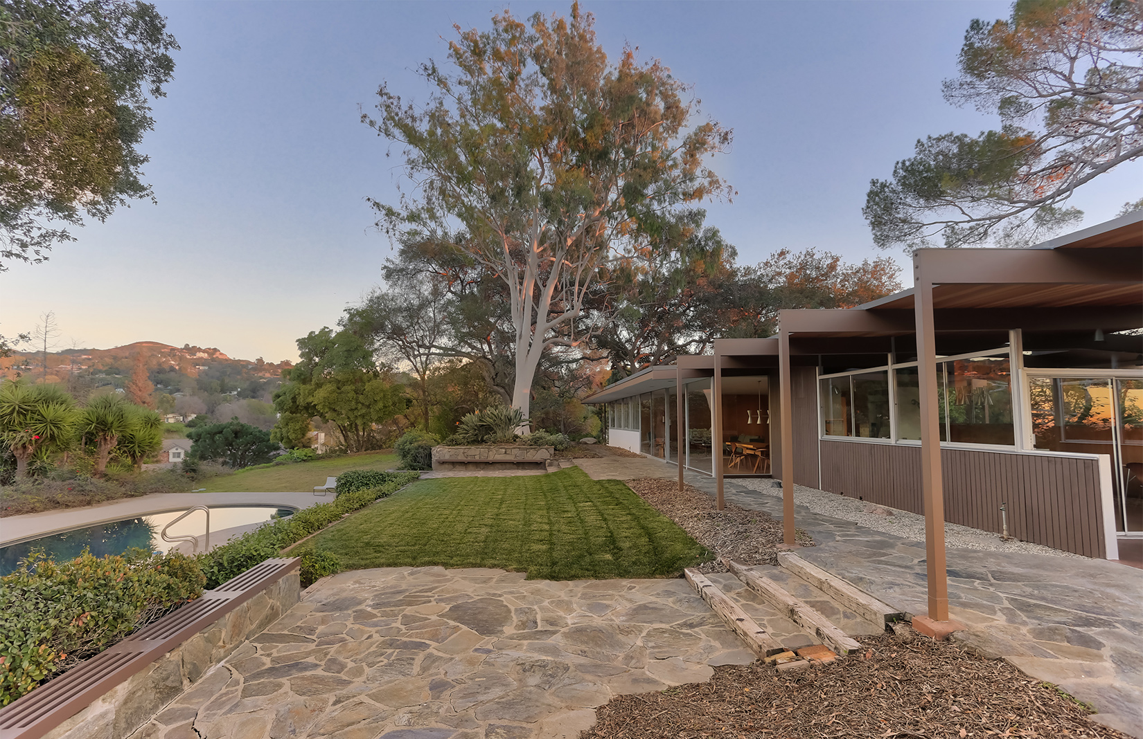 JM Roberts Residence at 621 Wrede Way by Richard Neutra