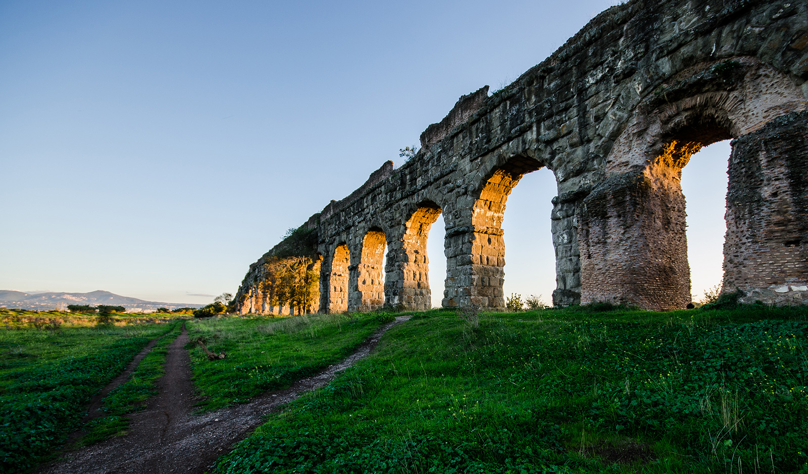 Rome buildings: the Aquaducts