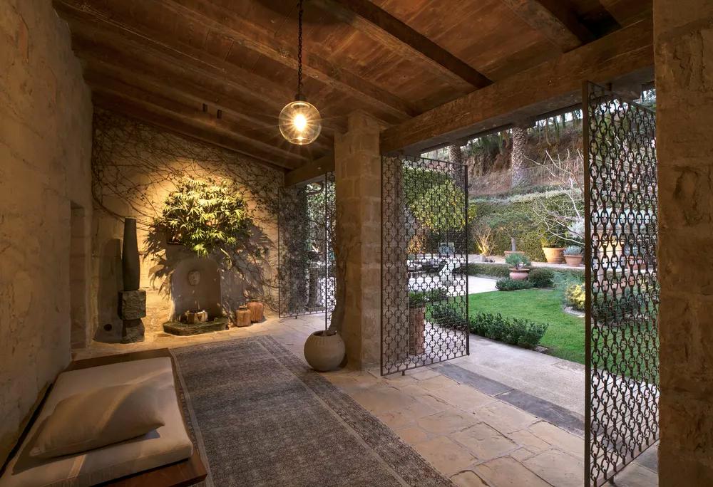 Ellen degeneres lists her santa barbara estate for 45 million for Barbara house