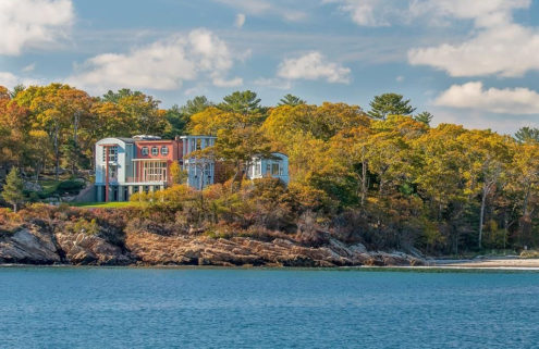 Massachusetts mansion by PoMo maestro Michael Graves lists for $9.2m