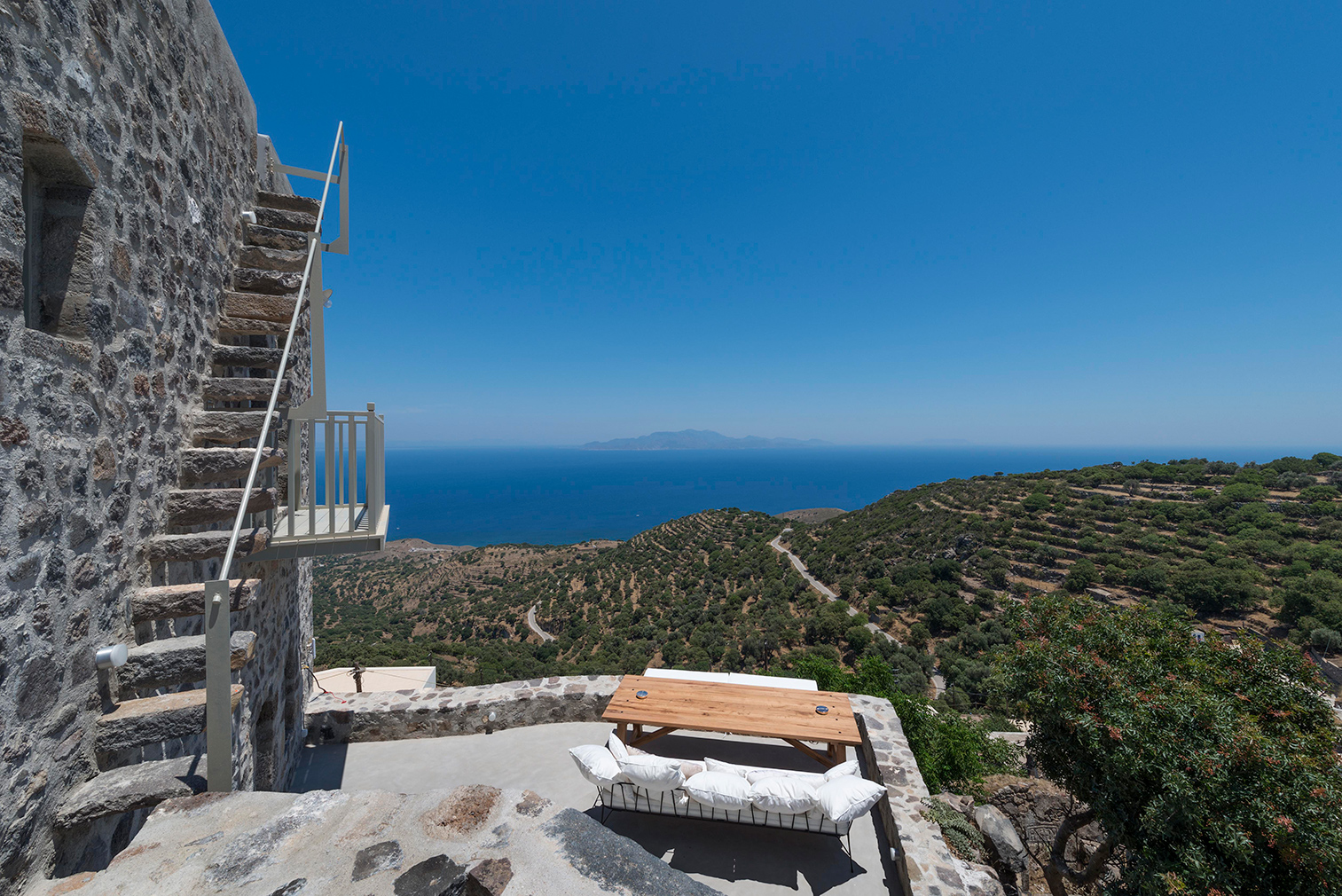 Greek holiday home for rent: Villa Nemesis