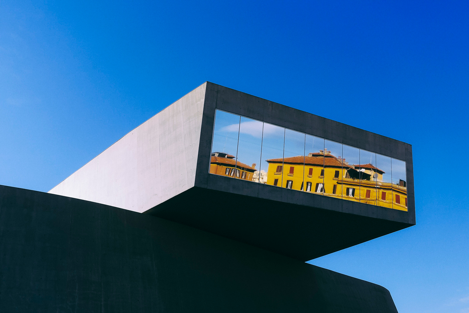 Minimalist architecture around the world captured for for Minimalisme architecture