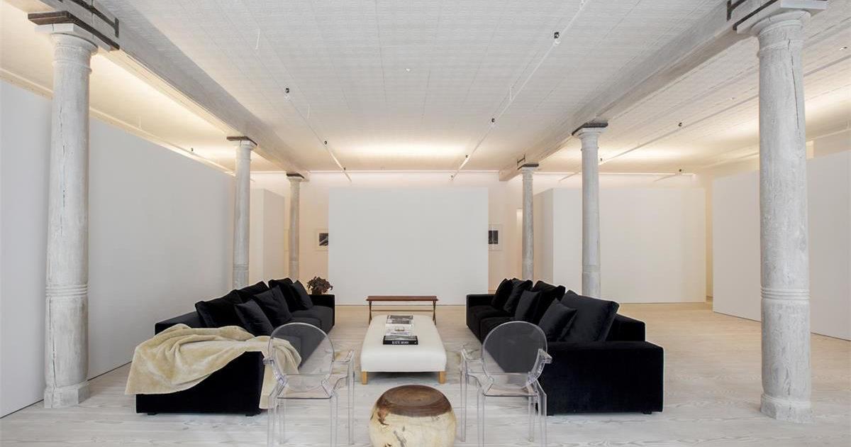 Interior Designer 39 S Minimalist Manhattan Loft Hits The