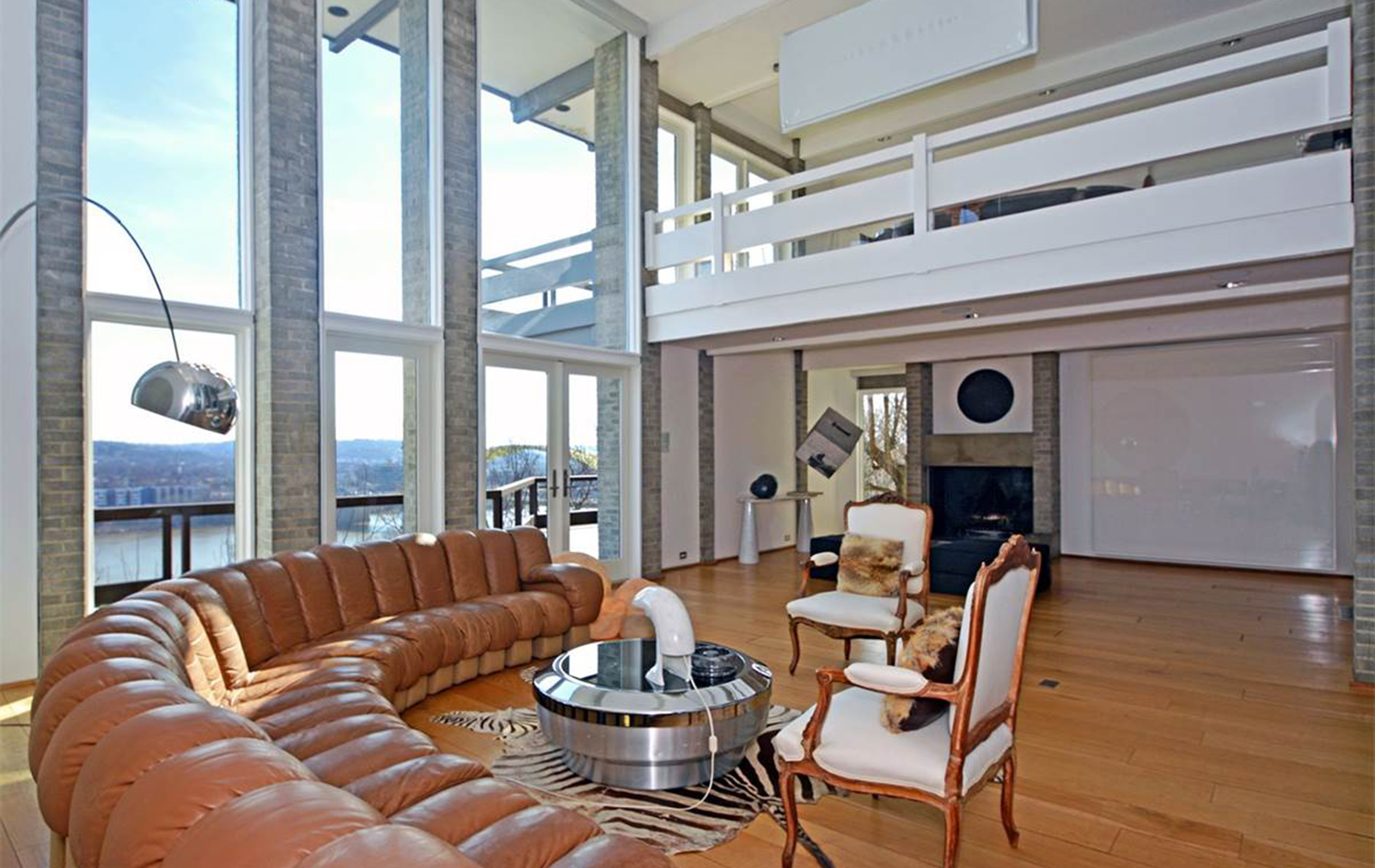 Vidal Sassoon's Cincinnati home for sale