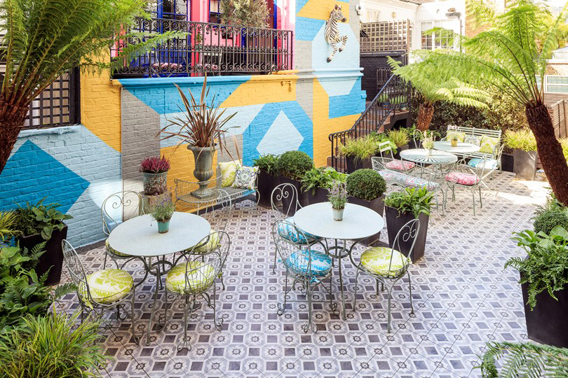 London restaurants with gardens – Blakes Garden Courtyard