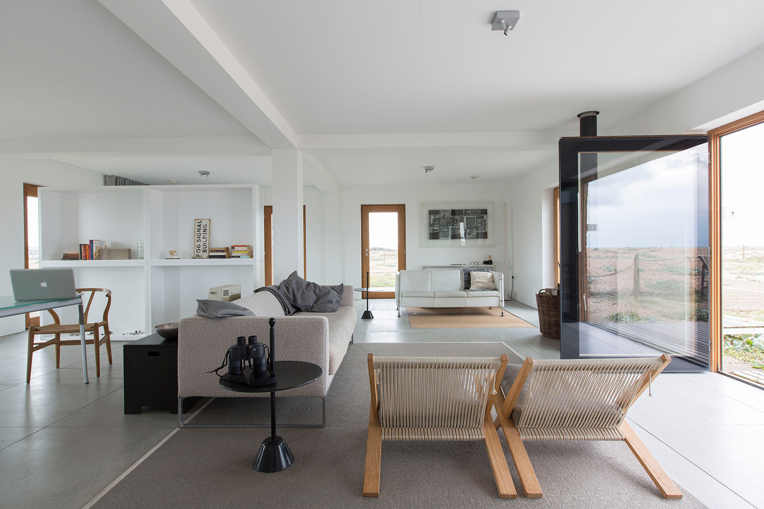 Dom stay and live architect-designed homes and vacation rentals
