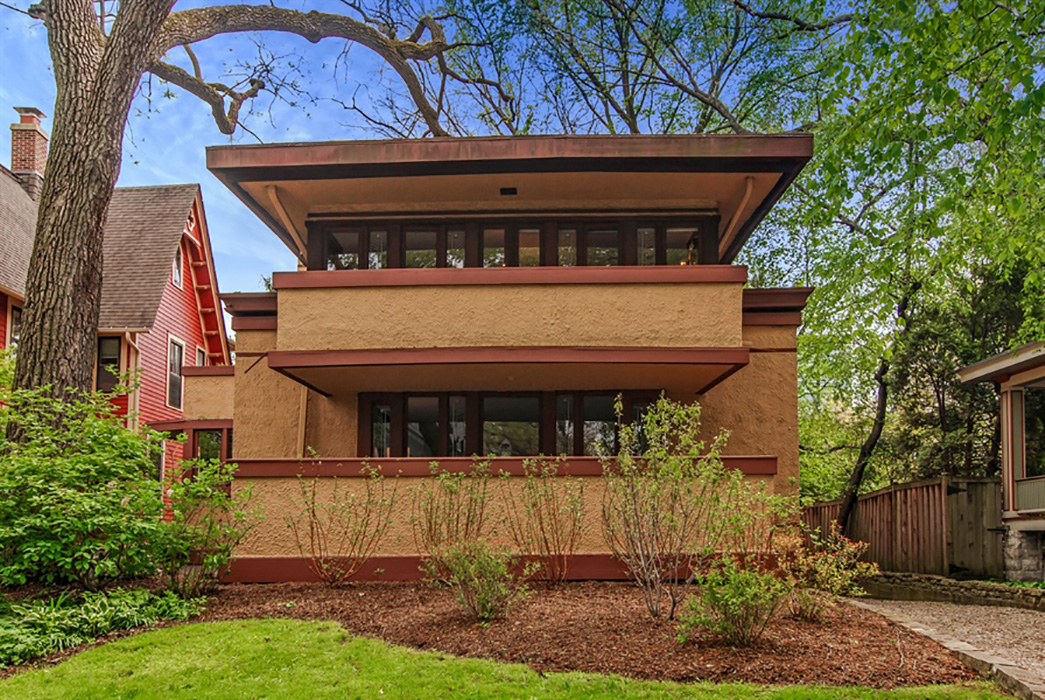 5 frank lloyd wright houses for sale. Black Bedroom Furniture Sets. Home Design Ideas