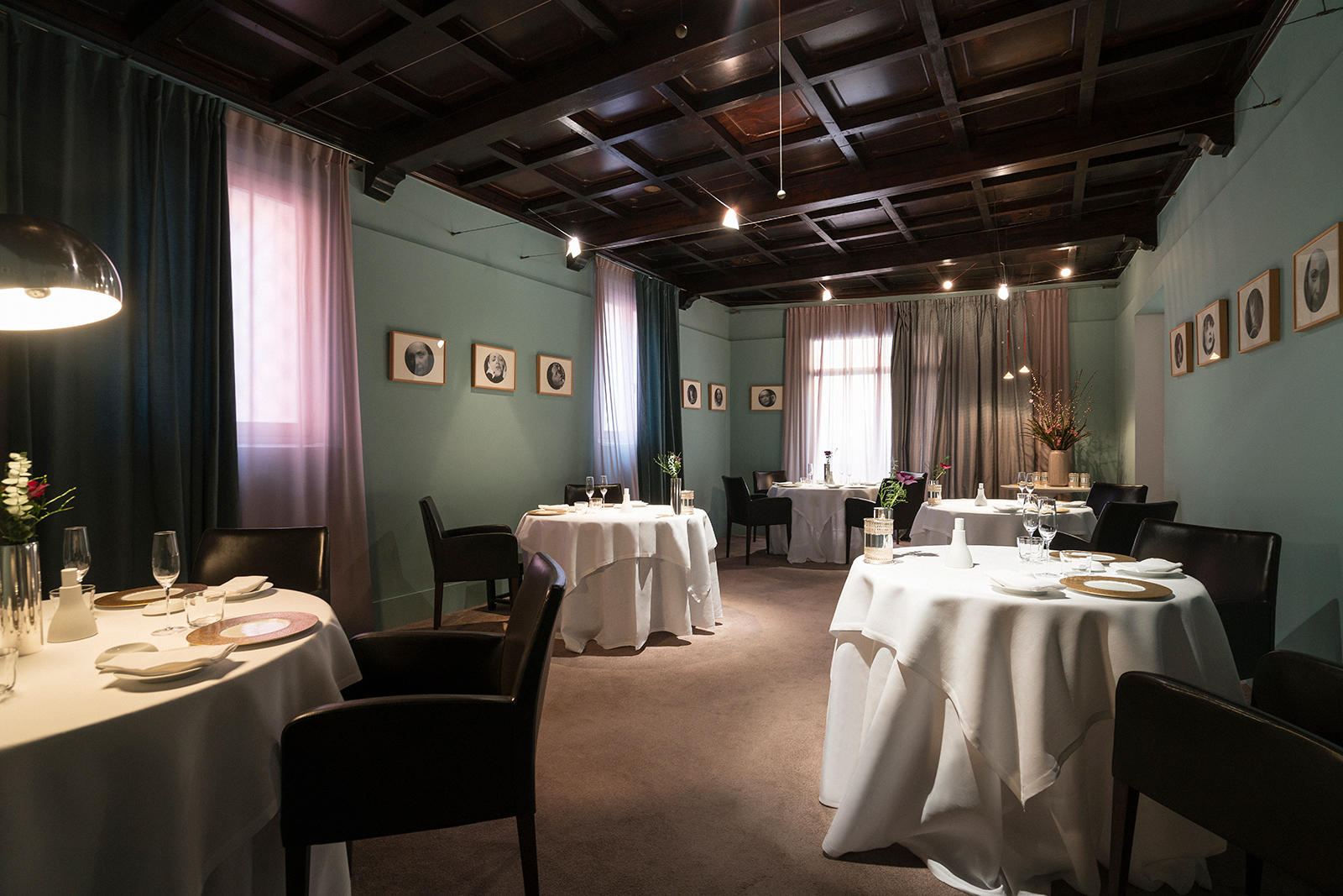 Restaurants with art collections: Osteria Francescana