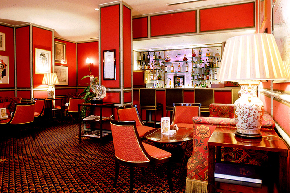 Restaurants with art collections: Le Gavroche