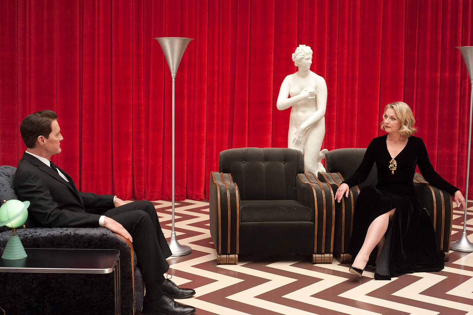 Twin Peaks - Red Room interior