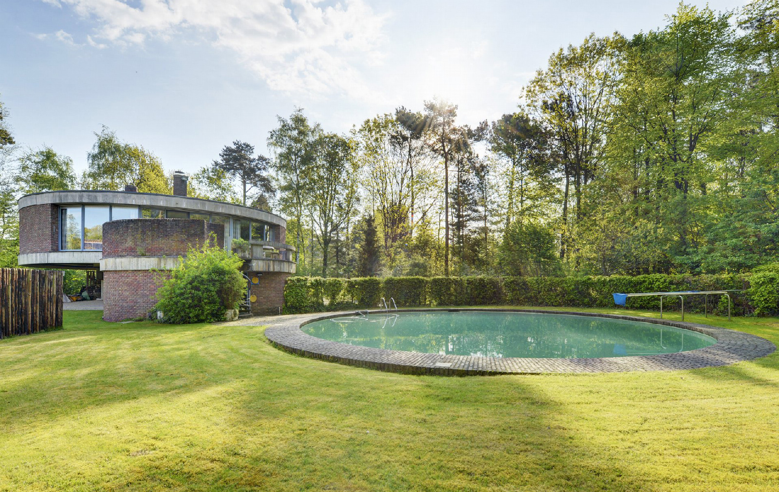 Dutch villa for sale by architect Jackie Cuylen