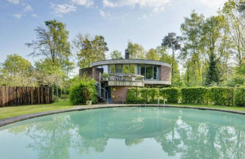 Dutch villa for sale by architect Jackie Cuylen