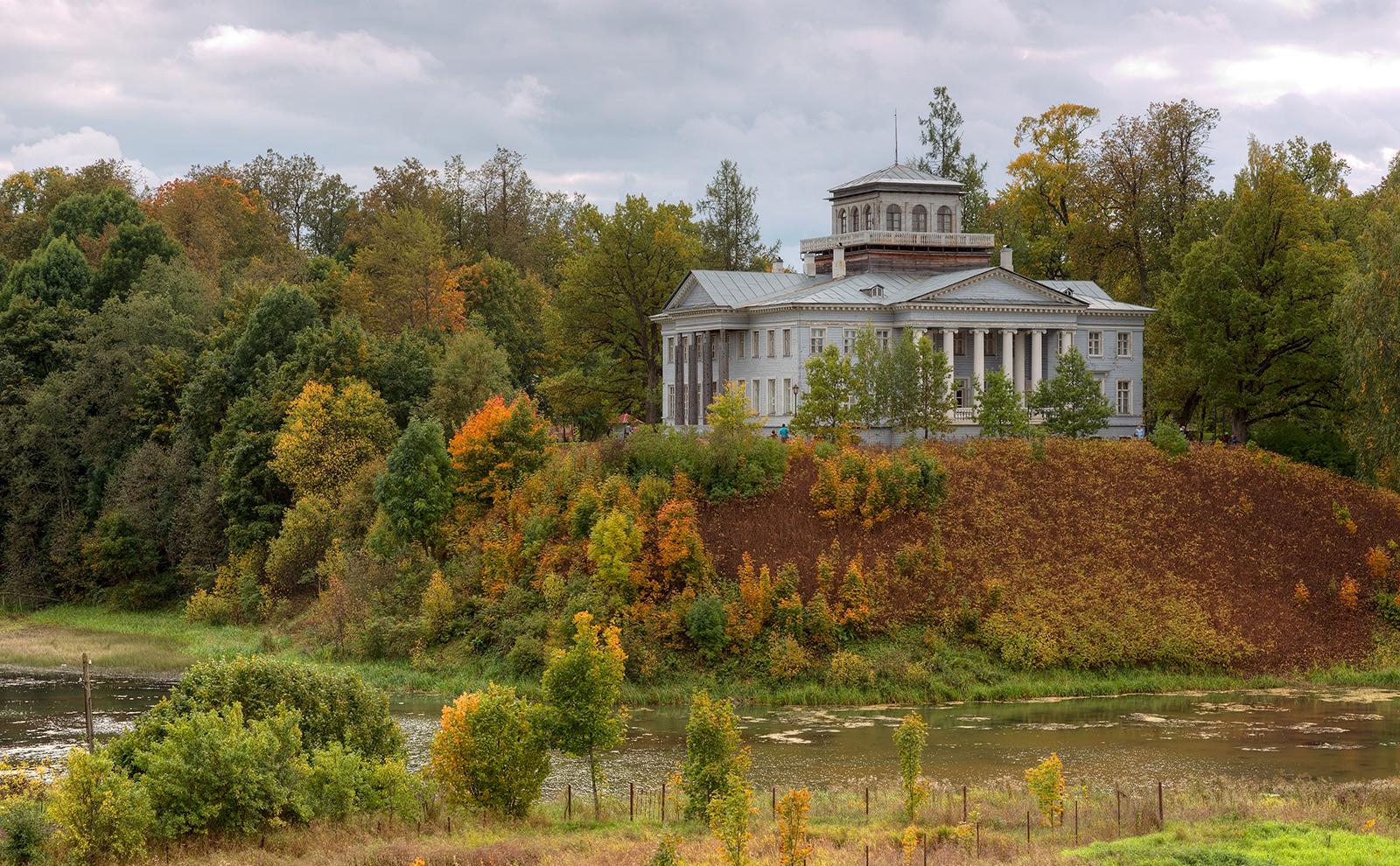 Rozhdestveno Manor in Leningrad Oblast