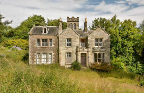 Renovation challenge: a Scottish mansion in need of TLC lists for £200,000