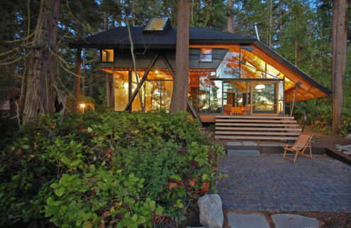 Holiday home of the week: a glass cabin in Washington State