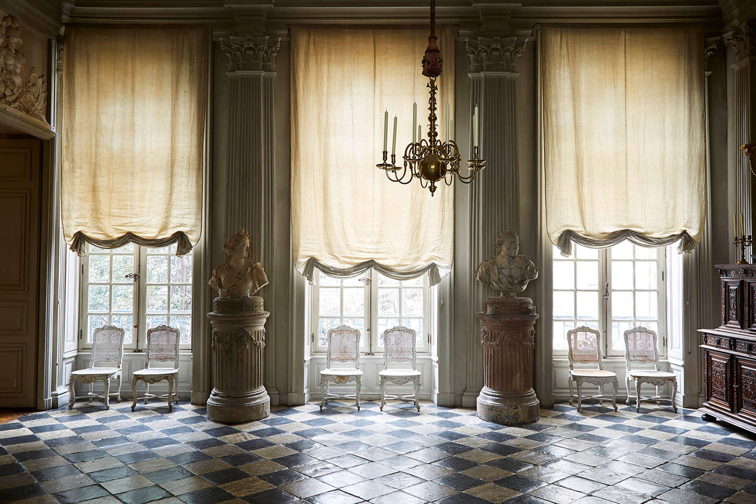 The grand entrance of Joseph Achkar and Michel Charriere's Parisian home. Photography: Miguel Flores-Vianna