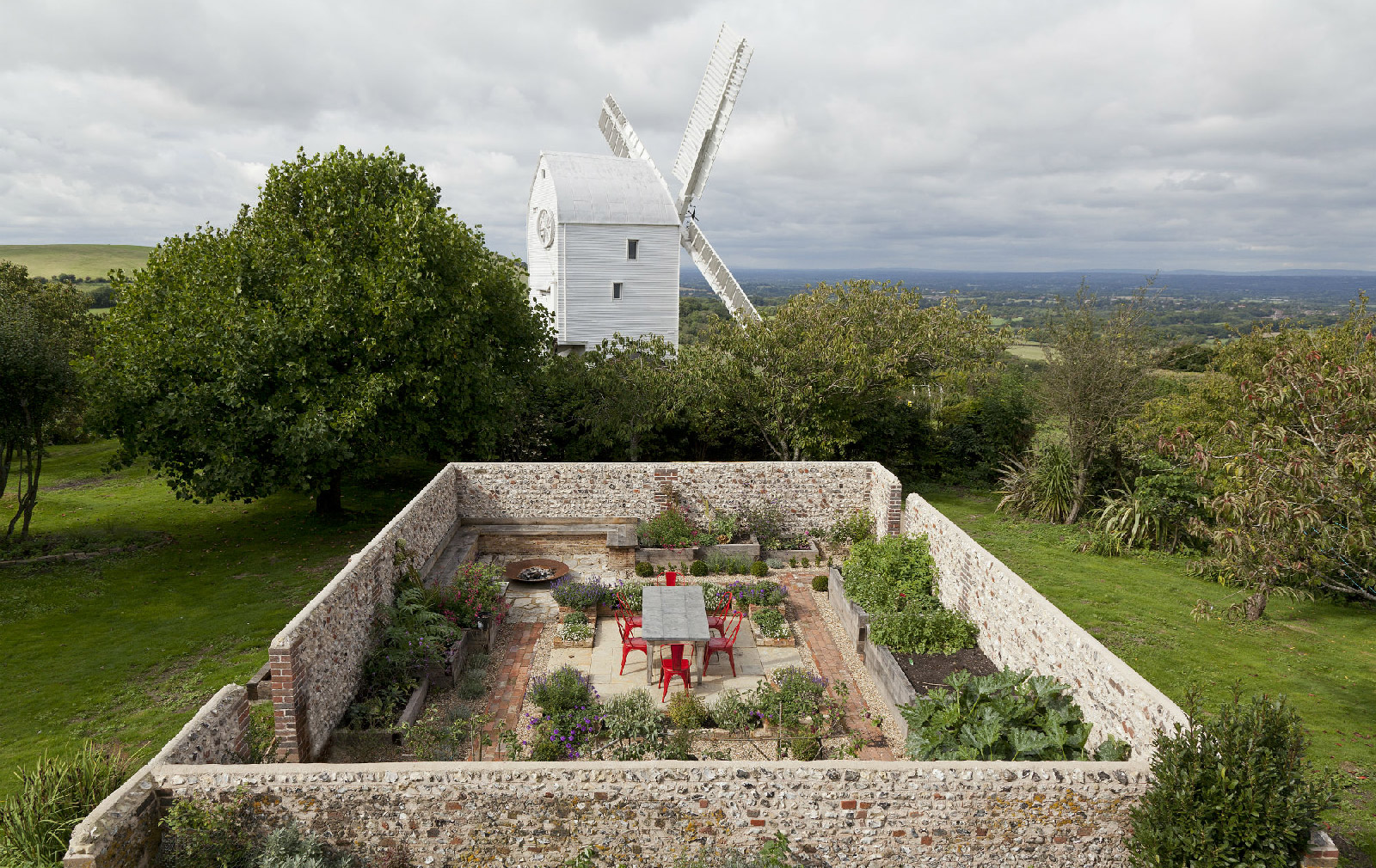 Holiday Home to rent in West Sussex UK by Architect Featherstone Young