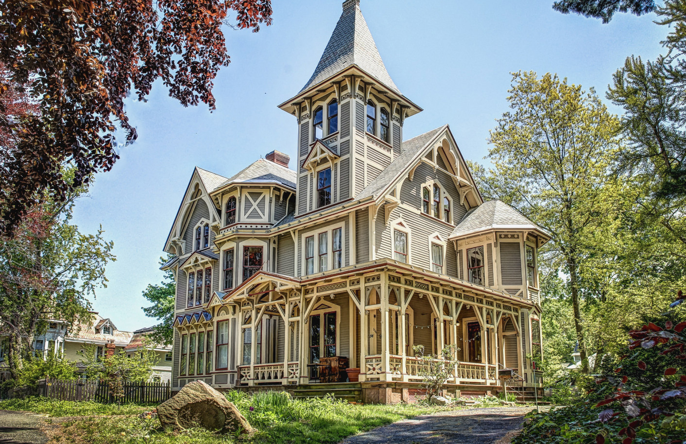 Gothic victorian house exterior house plan 2017 for Victoria home builders
