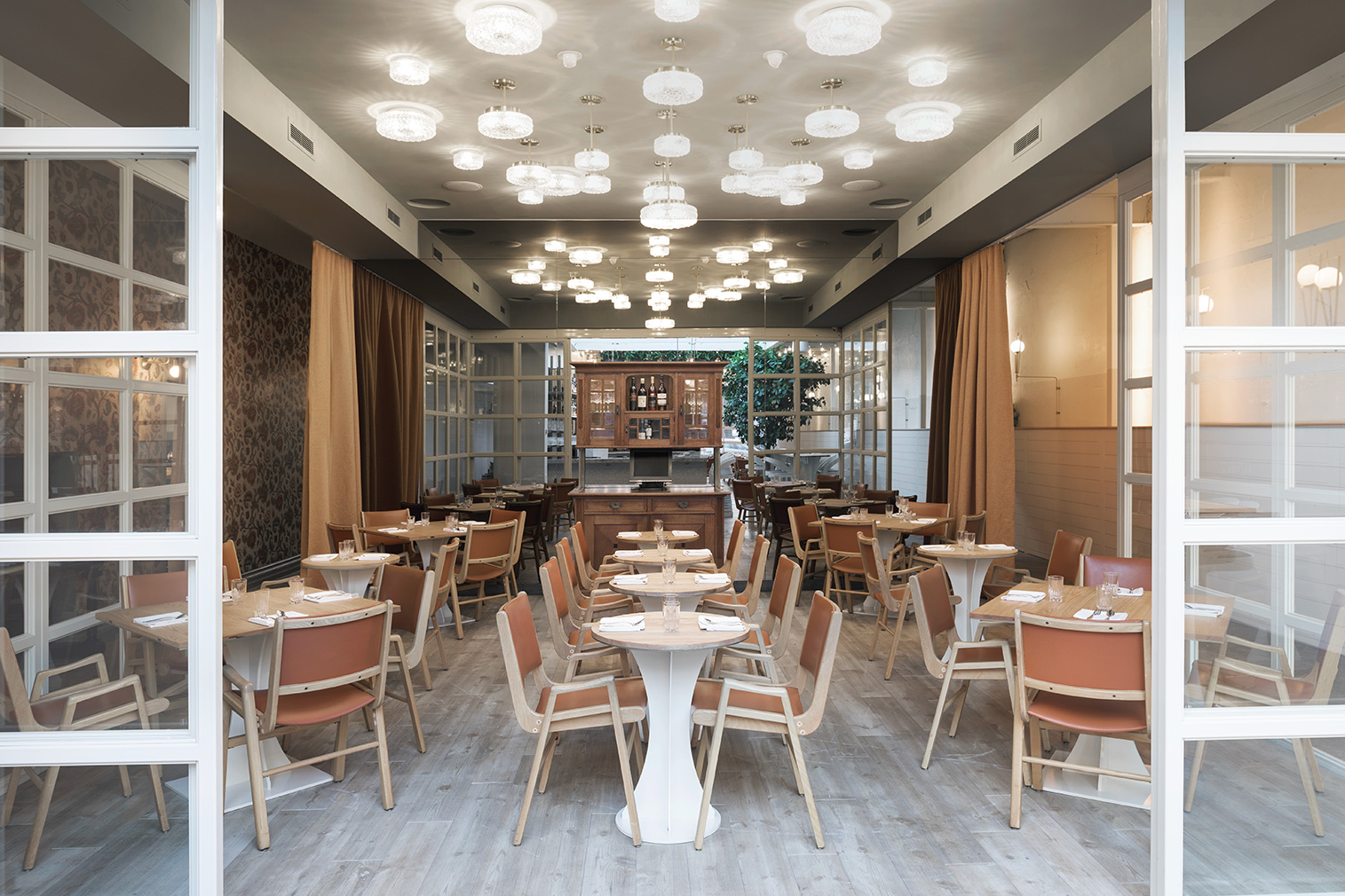 Montreal s perles et paddock is a new gastronomic hub for Atelier cuisine montreal
