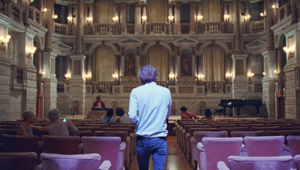 Phoenix's 'Ti Amo' music video in Teatro Bibiena di Mantova