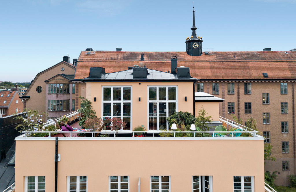 Rooftop cabin for sale in Stockholm