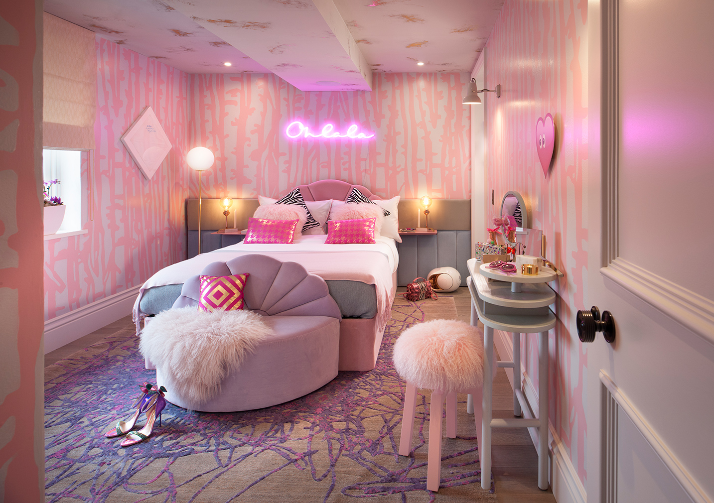 Teenage Dream Bedroom by Studio Suss at Holiday House London. Courtesy of Studio Suss