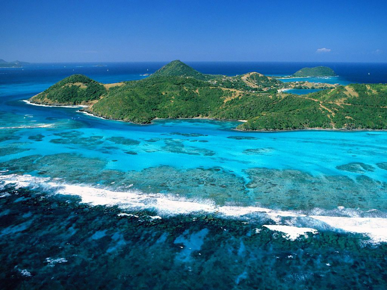 A Caribbean island plot is for sale for 600 bitcoins