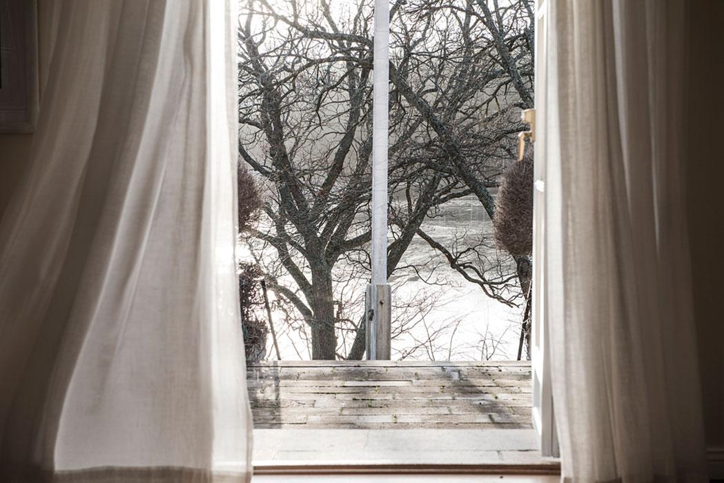 Greta garbo s swedish island retreat is for sale for Dayroom yellow bedroom