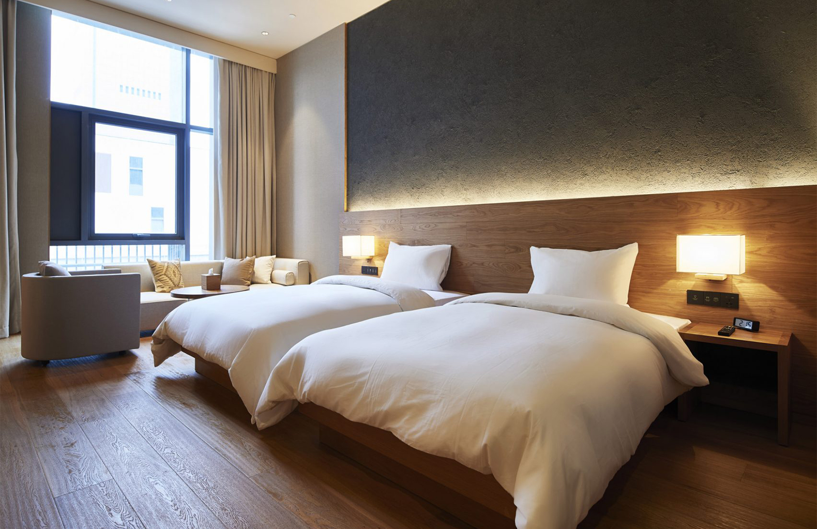 Muji hotel in shenzhen has anti gorgeous interiors for Interior design bedroom ideas 2018
