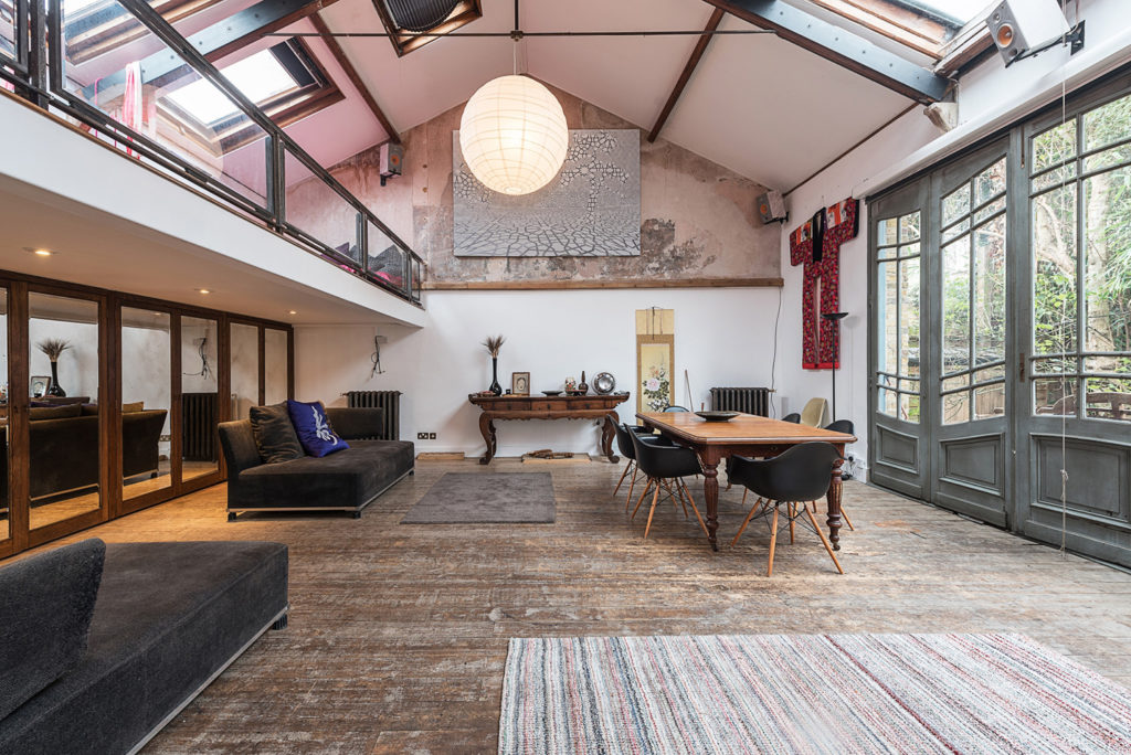Vaulted Former Art Studio In London Asks GBP775 A Week