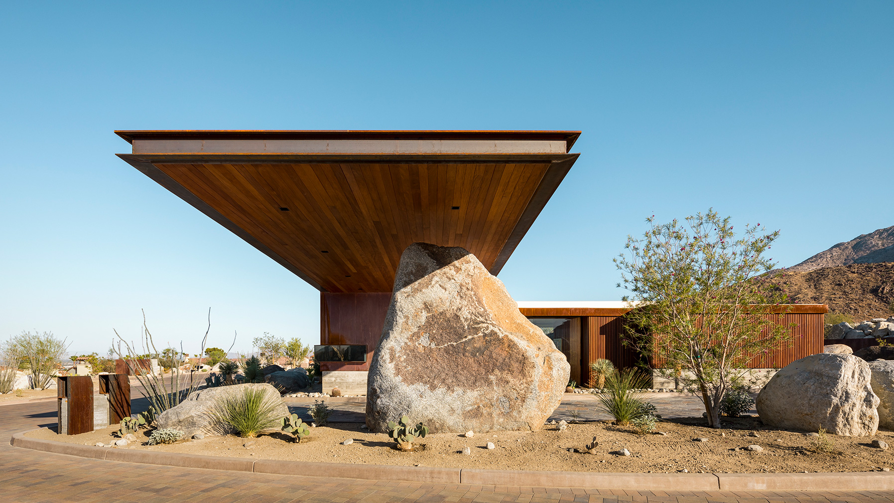 Contemporary Desert Modernism in Palm Springs
